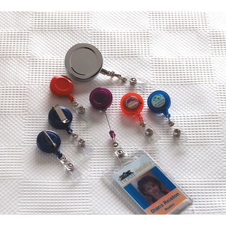 Badge,  Retractable,  w/ Clip