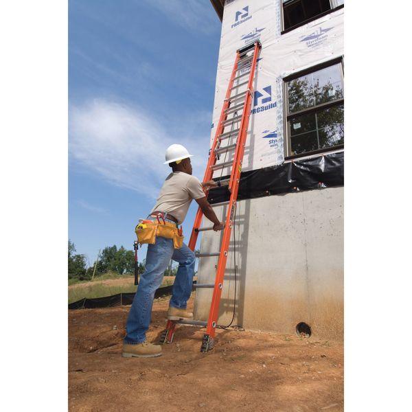Louisville 24 Ft Fiberglass Extension Ladder L 3022